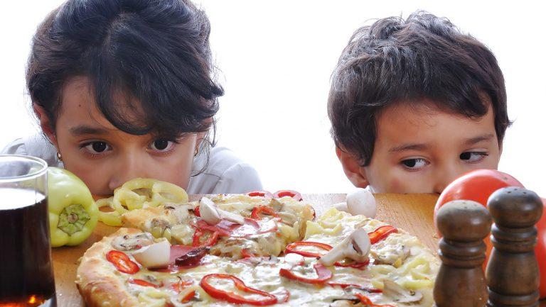 YouTube ei kohdista elintarvikemainontaa lapsille